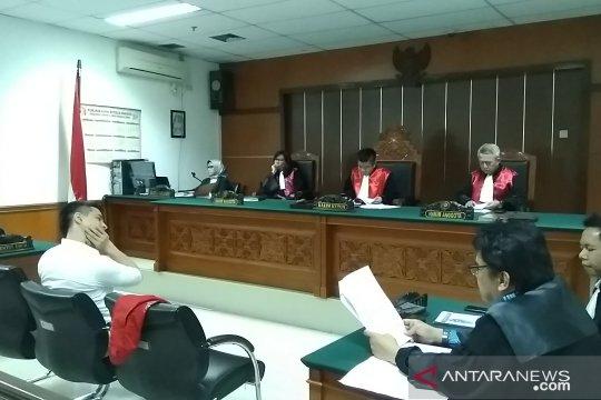 Hakim PN Jakbar putuskan nasib Steve Emmanuel besok