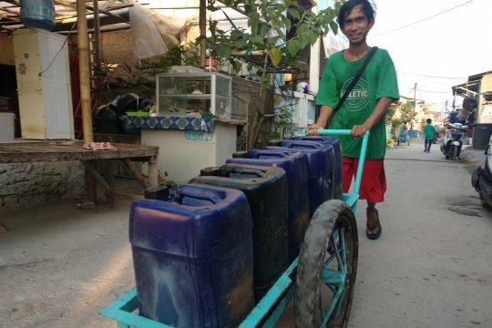 Kios Air Palyja layani kebutuhan air bersih di Kamal Muara