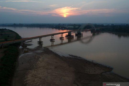 Intensitas hujan berkurang, debit air sungai Batanghari mulai menyusut
