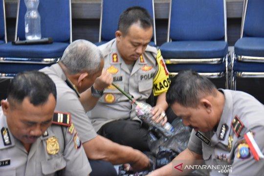 Polisi di Tanjungpinang belajar kelola sampah plastik
