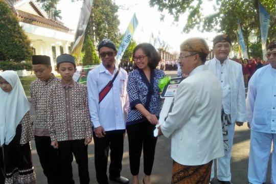 PMI Cianjur terima donasi ambulans dari pelanggan Indomaret