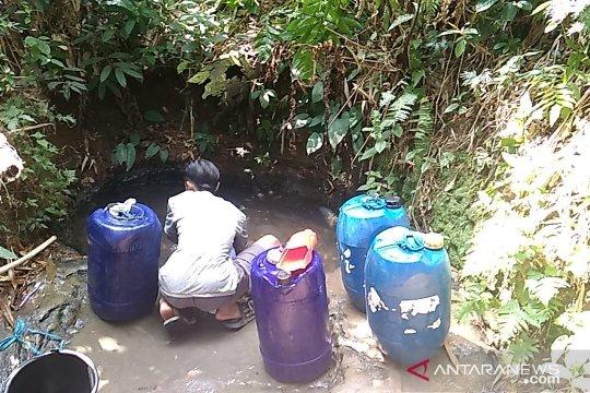 Seribuan kepala keluarga terpaksa gunakan air keruh