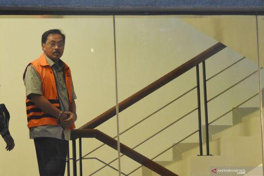 Pemeriksaan perdana Gubernur nonaktif Kepri