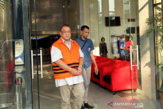 KPK perpanjang penahanan 3 tersangka suap perkara Kejati DKI