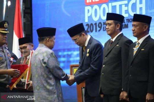 TGB raih Satya Lencana Karya Bhakti Praja Nugraha dari Presiden Jokowi
