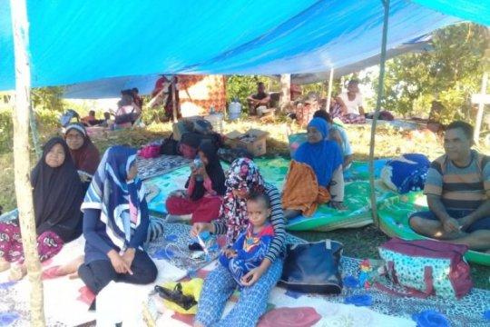 Melihat penanganan pengungsi korban gempa di Halmahera Selatan
