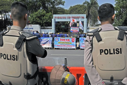 Demo buruh PT Krakatau Steel