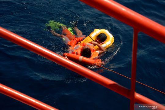 Latihan SAR gabungan di perairan Makassar