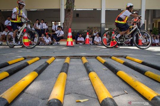 Sosialisasi keselamatan bersepeda bagi pelajar