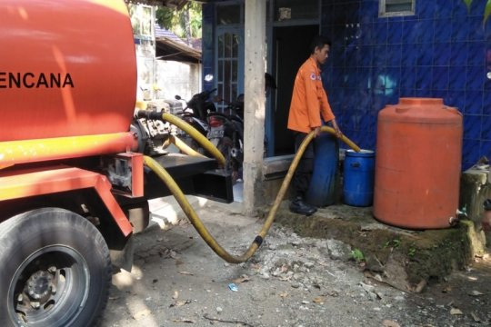 BPBD Banyumas sudah salurkan 1,39 juta liter air ke wilayah kekeringan