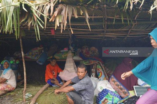 Korban gempa Halmahera Selatan masih tempati pengungsian darurat