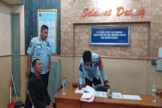 Kejari Indramayu tahan kepala desa korupsi dana desa