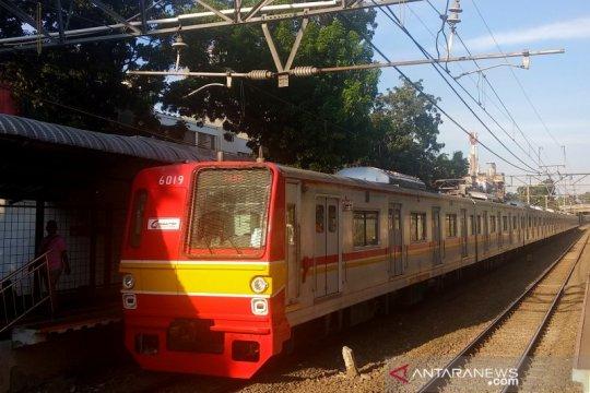 KRL terlambat karena perluasan Stasiun Manggarai