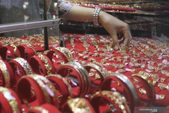 Harga emas perhiasan naik, hingga tembus Rp750.000/gram