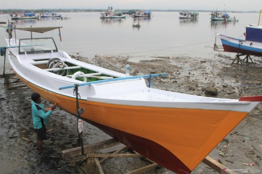 Jasa pengecatan perahu
