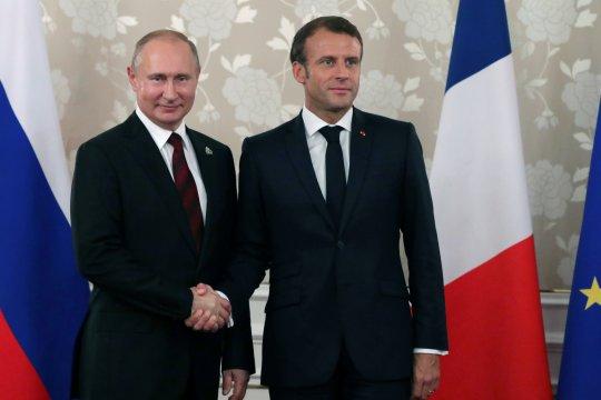 "Sindir Macron, Putin: Saya tidak ingin ""Rompi Kuning"" di Rusia"