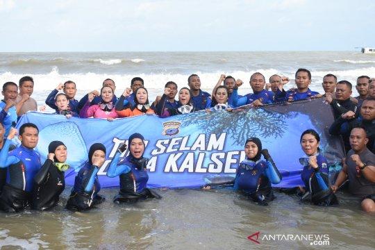 5 Polwan Polda Kalsel ikuti penyelaman massal di Manado
