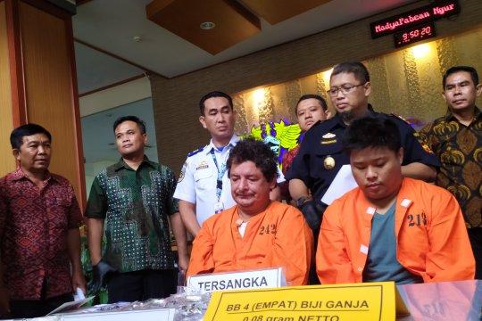 WNA asal Peru ditangkap bawa 950 gram kokain