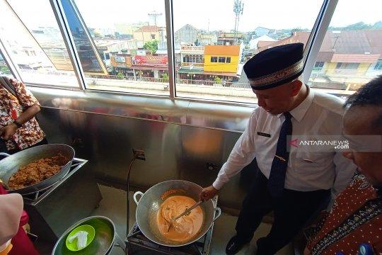 """Rumah makan Padang siap """"jajah"""" Vietnam"""