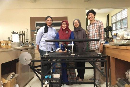 """Mahasiswa UGM ciptakan pondasi tahan gempa dari """"shockbreaker"""" motor"""