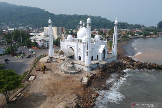 Masjid Al-Hakim terancam abrasi