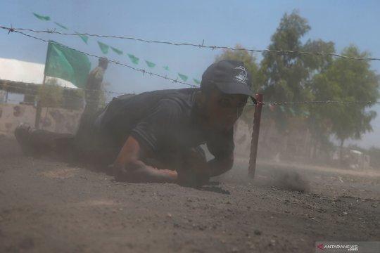 Pemuda Palestina ikuti latihan militer di kamp Hamas