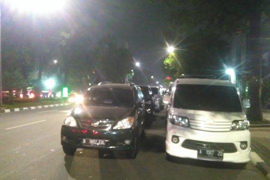 Jalan Medan Merdeka Selatan jadi arena parkir Lebaran Betawi