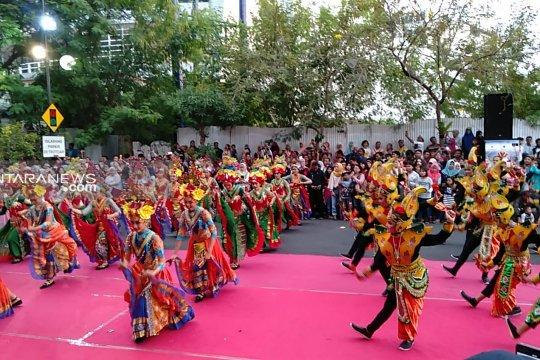Ratusan penari ramaikan Festival Yosakoi-Remo di Surabaya