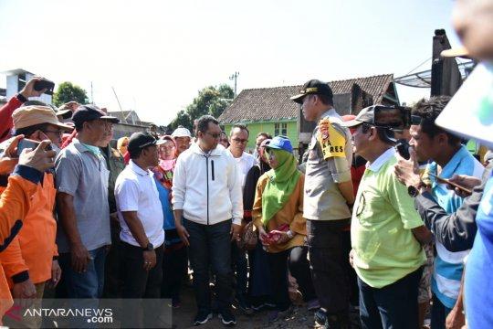 Korban kebakaran di Seteluk mendapat bantuan gubernur NTB