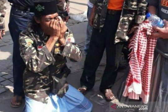 Jalan kaki dari Musi Rawas, anggota Banser ini ingin bertemu Jokowi