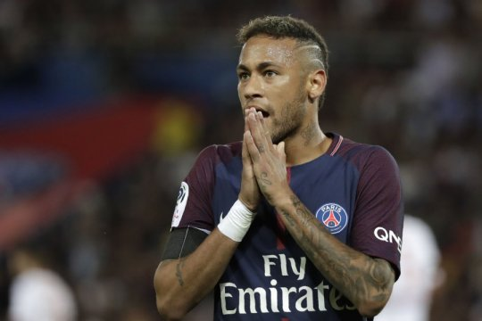 Neymar ikut PSG ke China meski sedang bersitegang