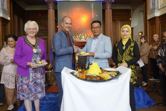 Ridwan Kamil resmikan  sudut budaya Sunda di South Hill Park