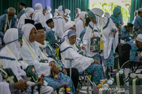 Embarkasi Batam berangkatkan 8.032 calon haji