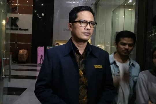 KPK panggil dua saksi kasus pengadaan CCC Pelindo II
