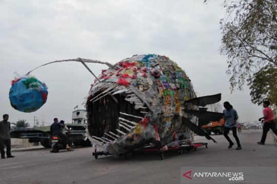 Mencegah monster plastik menyerang Jakarta