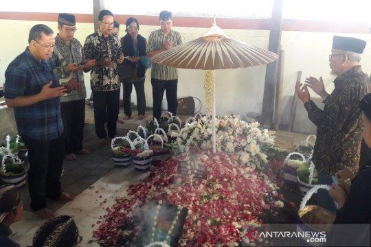 Ratusan pelayat ikuti prosesi pemakaman GBPH Cakraningrat