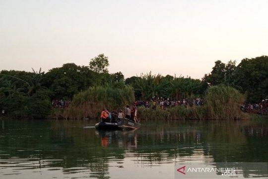 Pesawat latih jenis cesna jatuh di Sungai Cimanuk Indramayu