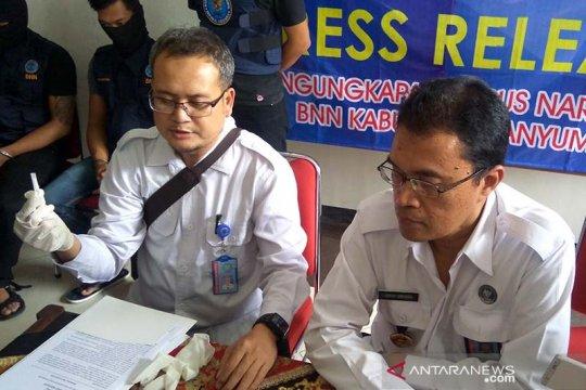 Dua penjual merpati terancam 4 tahun penjara akibat narkoba