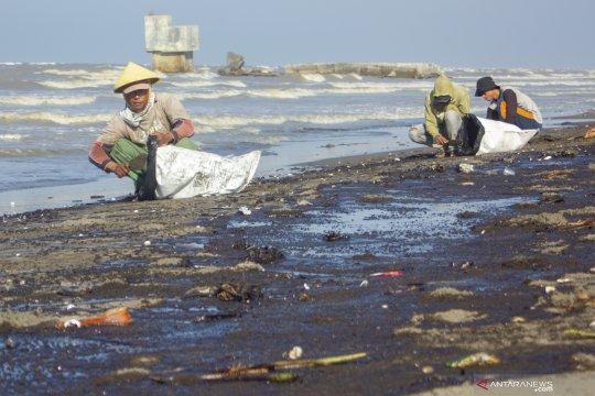 Pertamina diminta selesaikan kewajiban tumpahan minyak di Karawang
