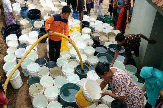 BPBD Banyumas telah salurkan 890 ribu liter air ke daerah kekeringan