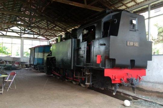 """Cerita KPK dan kereta api legendaris """"pemanjat"""" dinding Sumatera"""