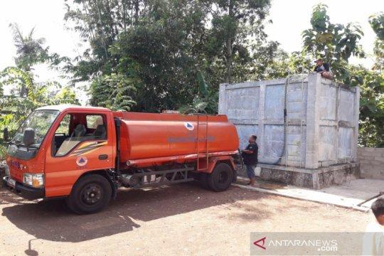BPBD Gunung Kidul distribusikan ratusan tangki air bersih