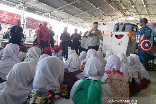 "Para ""Superhero"" ikut edukasi anak di Stasiun KAI"