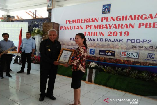 Jadi panutan, Pemkab Sleman beri penghargaan 216 wajib pajak PBB