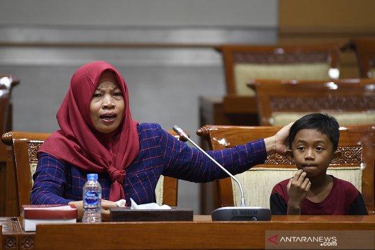 Rapat pleno terkait amnesti untuk Baiq Nuril