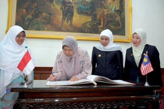 Gubernur Jatim ajak Malaysia investasi pengolahan sampah plastik