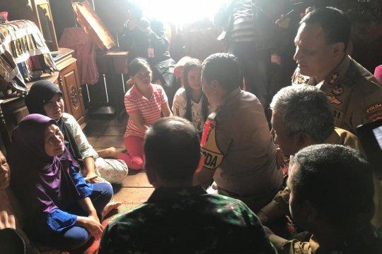 Pangdam, Kapolda dan Bupati kunjungi keluarga korban bentrok di Mesuji