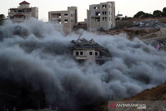 Bangunan Palestina kembali dibom