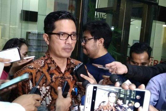 KPK panggil tiga tersangka suap pengesahan RAPBD Jambi