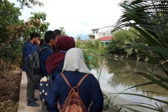 Mahasiswa Untan lakukan pengamatan lingkungan di Singkawang